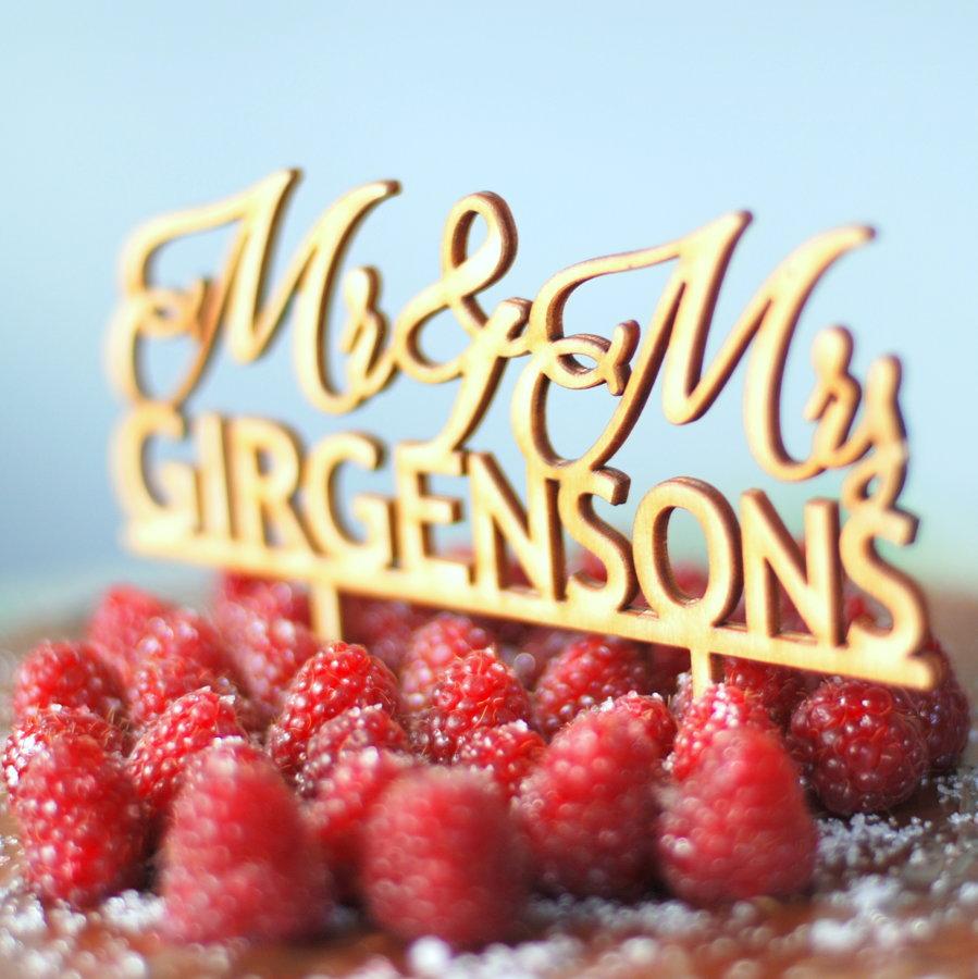 Kūkas dekors - Mr & Mrs ar uzvārdu