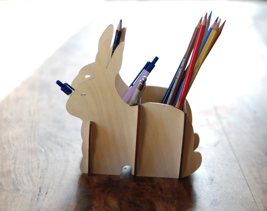Zīmuļu turētājs / galda organizators - Zaķis.